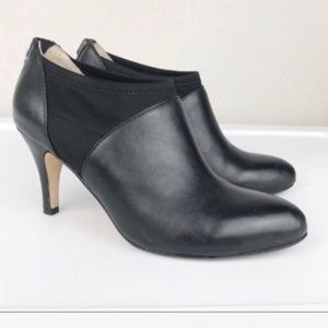 Taryn Rose Tonga Black Leather Back Zip Bootie